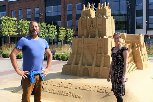 Thousands flock to see stunning sand sculpture at Flemingate